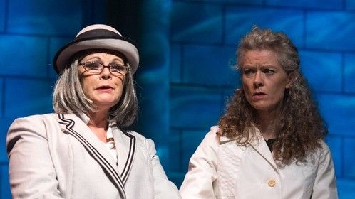 Playing Lina (to the right) in NEUF, Le Théâtre Musical du Haut Richelieu, 2015 Photographer: André Chevrier
