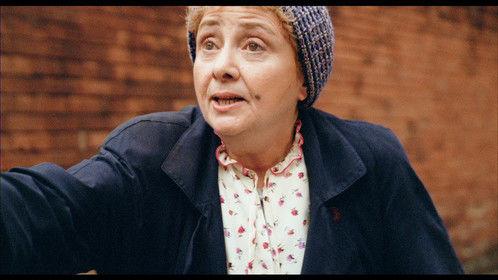 Harri Molese as Ellen