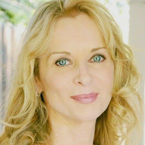 Anna Simone Scott