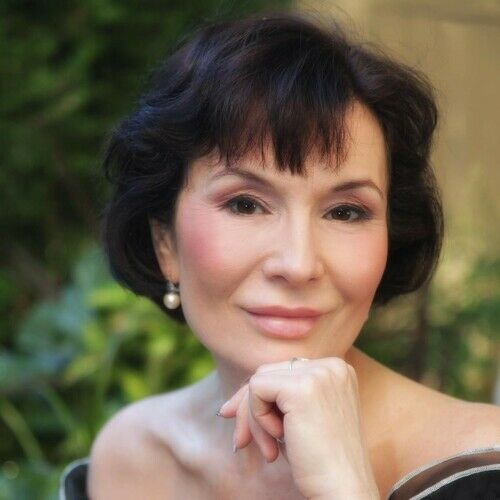 Angela Uzun