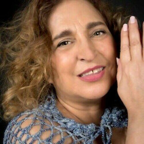 Loryane Singer