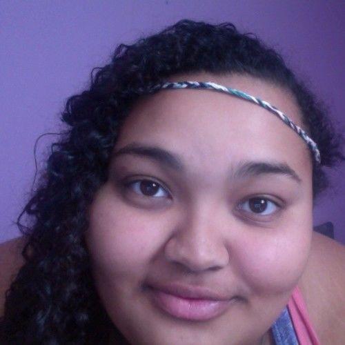 Amelia Gomez