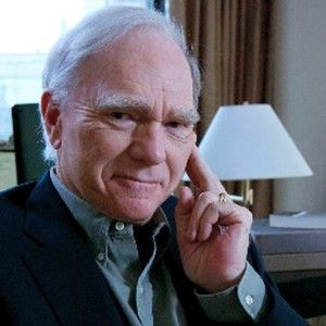 Robert Mckee Presents: Storynomics - Exclusively for Stage 32 Masters of Craft